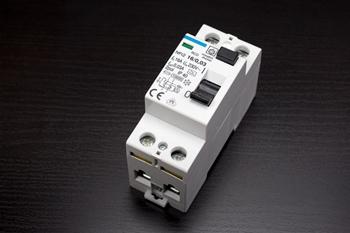 Schutzschalter - wichtiges element der Elektroinstallation im Haus
