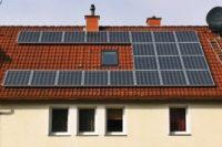 Stromerzeugung mit der eigenen Photovoltaik-Anlage auf dem Dach